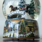 Zenélő hógömb, Lovasszánon az fenyvesekben (Musicbox, ajándéktárgy, 3-99 év)
