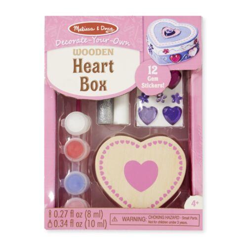Fa doboz díszítés, szív (Melissa & Doug , kreatív játék)
